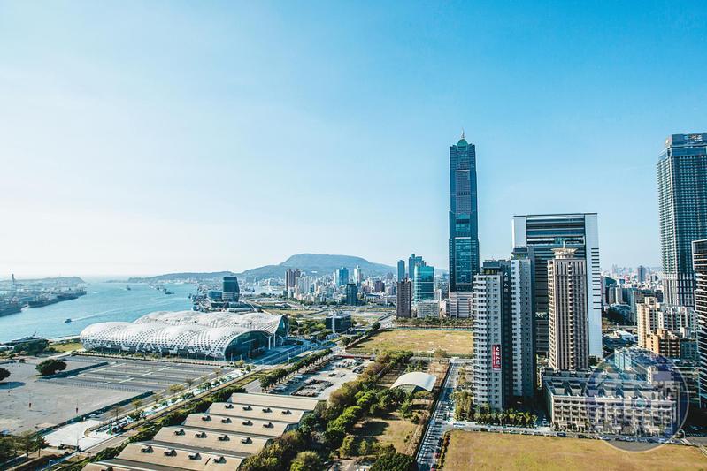 陳其邁要在亞洲新灣區設置5G、AIoT新創園區,並爭取中華電信與國際網通大廠進駐,將高雄打造成智慧城市。