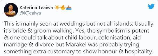 有網友解釋,該儀式為部分島嶼特有的文化,並非全國通用。(翻攝自Katerina Teaiwa推特)