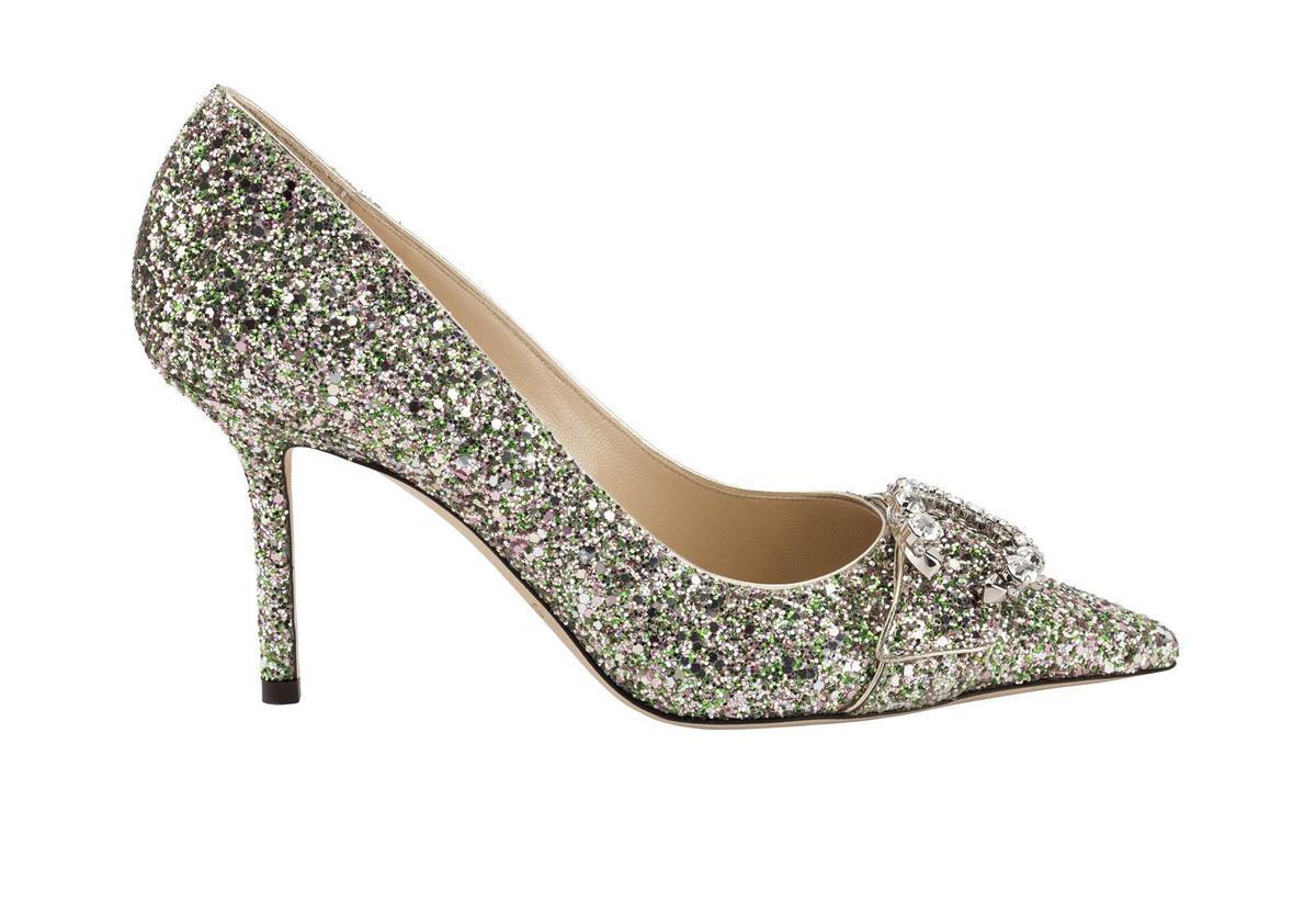 深薄荷綠色粗織亮片Saresa馬蹄C字鑽釦鞋,NT$38,800。(藍鐘提供)