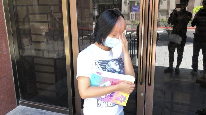 星諠(圖)控告鄧佳華性騷擾,昨(20日)開庭審理求償80萬元。(星諠提供)
