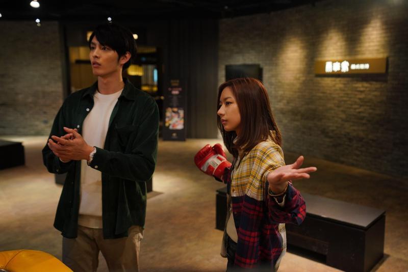 陳妤與曹佑寧在片中是一起長大的好友,有許多逗趣白爛的互動,但其實陳妤一直暗戀著曹佑寧。(華映提供)