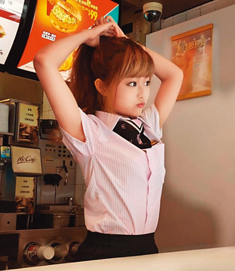 2015年時一張工作照,讓徐薇涵被刊登在國外媒體,打響了名號。(翻攝自雨狗blog)