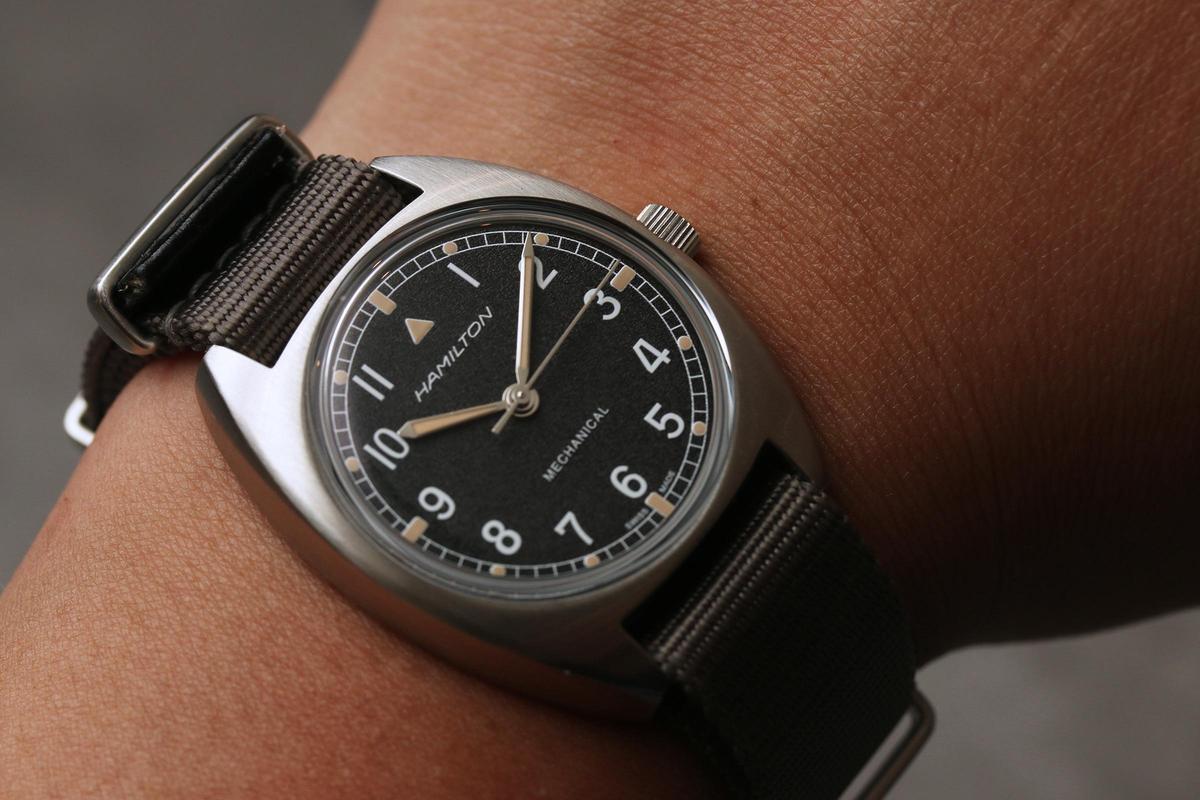 Pilot Pioneer手上鏈腕錶,36mm的尺寸坦白說很挑人戴。