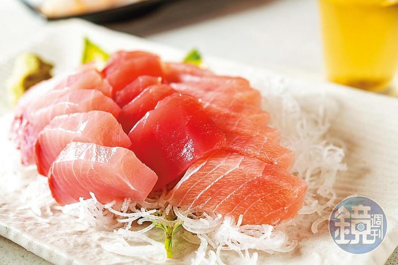 「開喜小吃部」依當日現捕漁獲,做成新鮮美味生魚片。