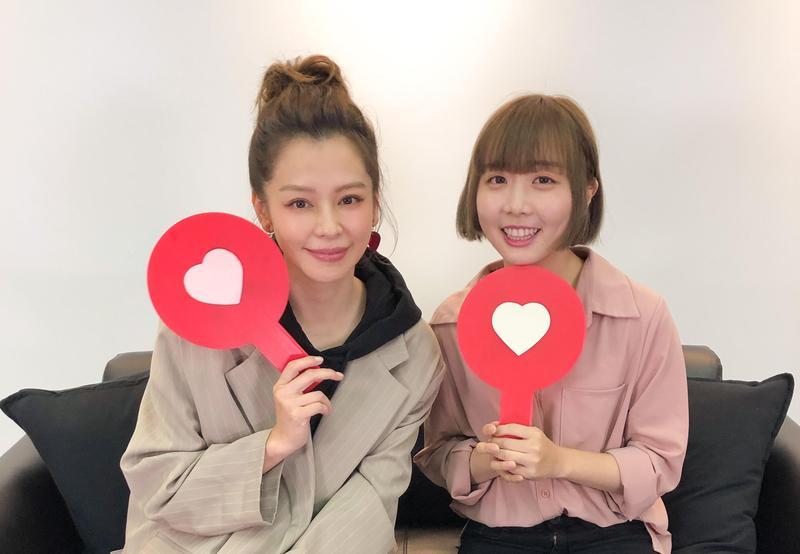 徐若瑄化身「愛情V老師」,透過YouTuber「那個女生KIKI」和「SKimmy你的網路閨密」分享自己的愛情觀。(索尼音樂提供)