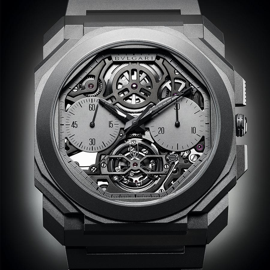 錶徑42mm、鈦金屬材質、時間指示、計時碼錶功能、陀飛輪裝置、BVL 388自動上鏈機芯、防水30米、限量50只、建議售價約NT$ 4,450,000