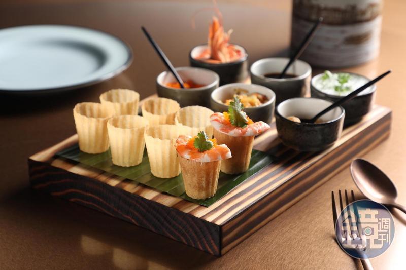 每日限量的「金杯粿」用米漿製作的薄脆餅殼,依個人喜好包入鮮蝦、海蜇皮、花生等。(580元/份)