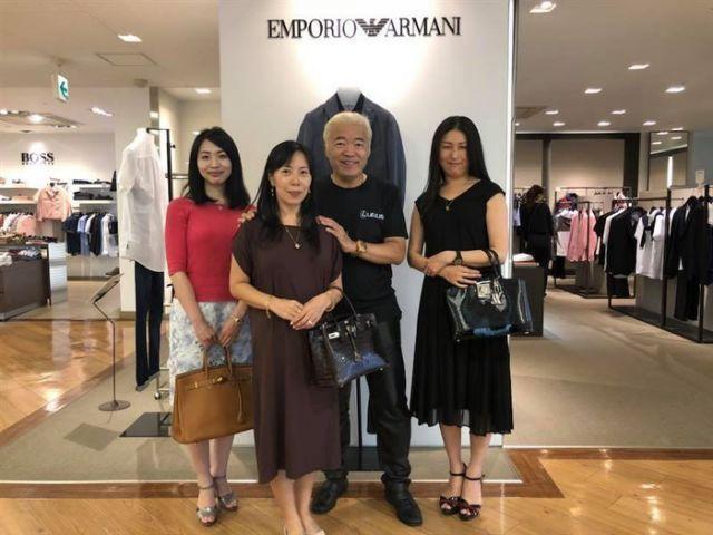 藤田隆志同時還有3名年輕老婆,私下還有8個情婦。(翻攝自藤田隆志臉書)