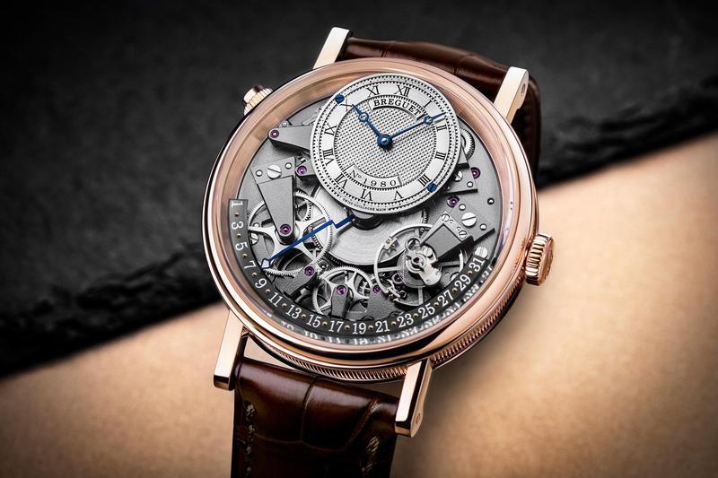 寶璣全新推出的Tradition 7597腕錶,具備日期逆跳指示功能。玫瑰金款式定價NT$1,219,000。