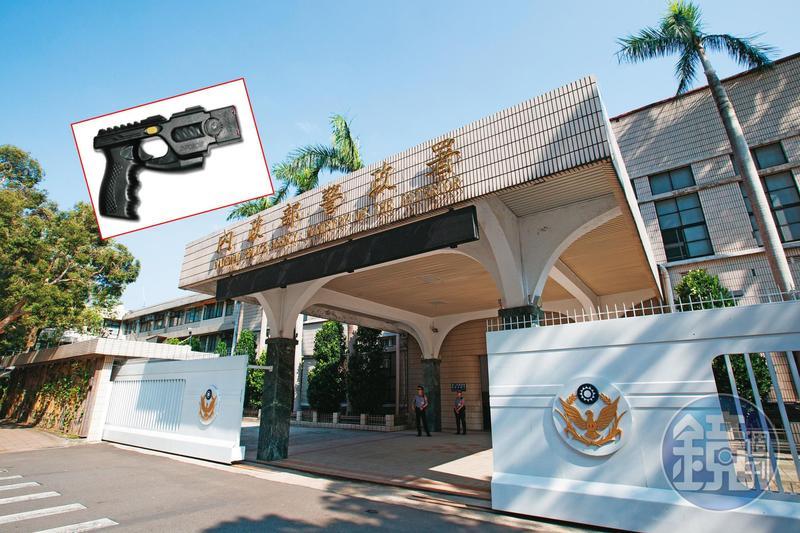 警政署近8千萬元的電擊槍採購案,爆發綁標爭議。
