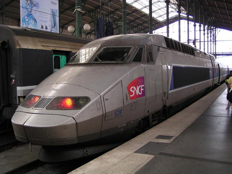 法國高速列車因電力系統出現異常,導致上千旅客受困車廂一整晚。(示意圖,非當事車輛;翻攝自維基百科)