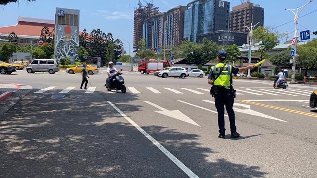 警政署從9月1日起實施路口安全大執法。(警政署提供)
