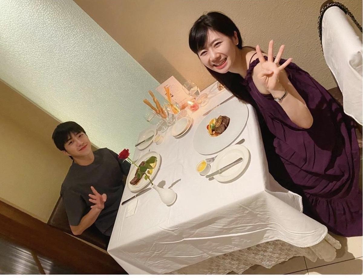 福原愛與江宏傑結婚4週年,夫妻倆享受了一頓燭光晚餐。(翻攝自福原愛臉書)