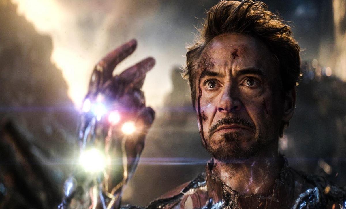 「鋼鐵人」在《終局之戰》領便當,逼哭無數粉絲。(網路圖片)