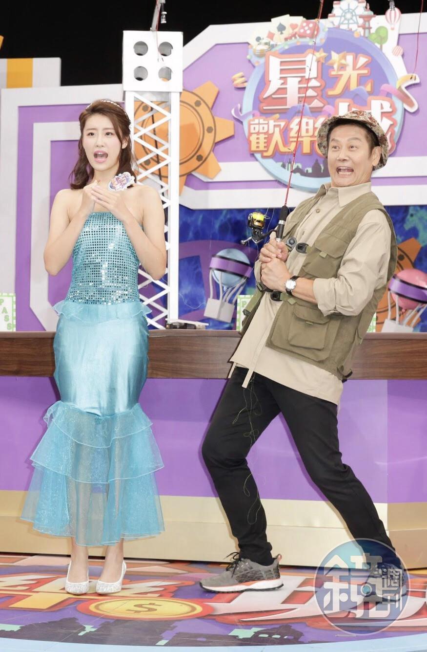 《星光歡樂城》第三季將由徐乃麟(右)搭配林真亦(左)一同主持,徐乃麟兒子徐新洋遭到替換。