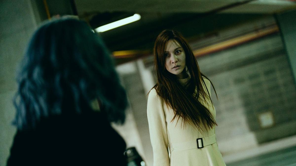 曾莞婷在《天巡者》中首度挑戰扮演女鬼,還曾嚇到路人。(三立提供)
