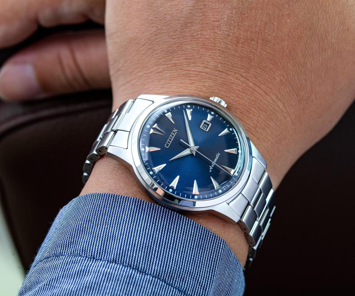 41mm不鏽鋼錶殼,符合現代的配戴習慣。而面盤的細緻紋路讓外型更添質感。