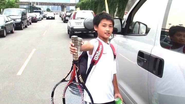 蘇鈺翔9歲時開始練習網球。(讀者提供)