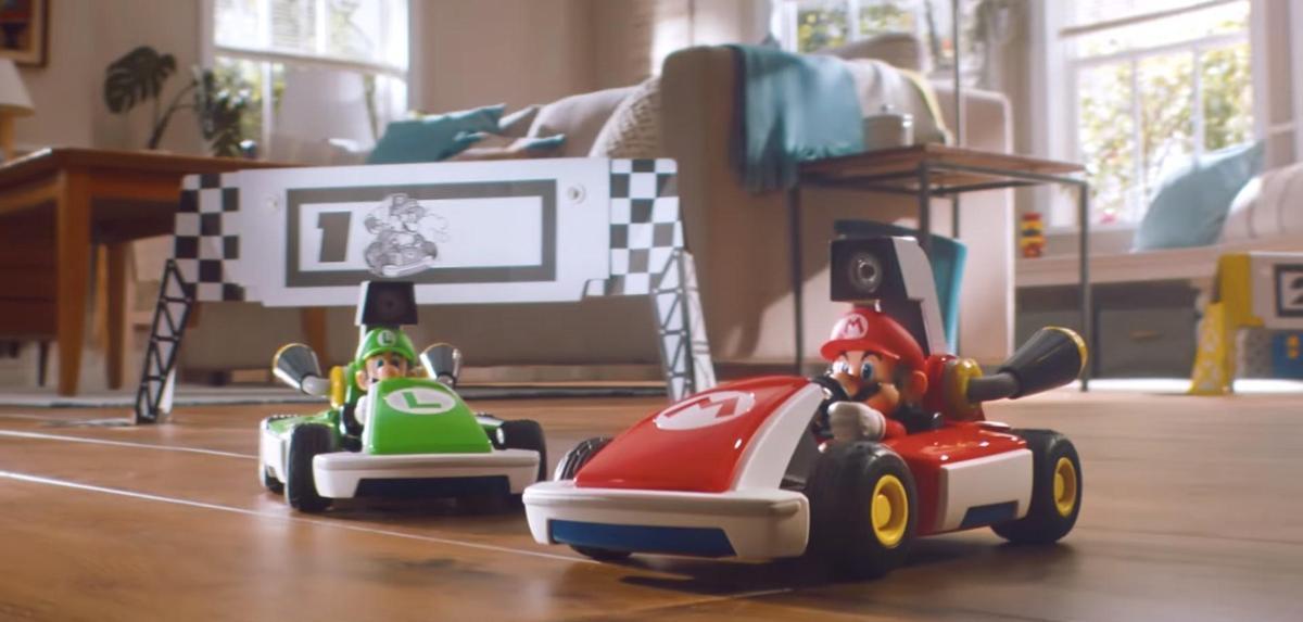 遊戲提供兩種套組,駕駛賽車的人分別為瑪利歐與路易吉。(翻攝自Nintendo官方YouTube)
