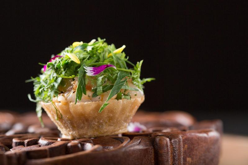 娘惹菜小吃「杯子粿」(kueh Pie Tee)特別清爽開胃。