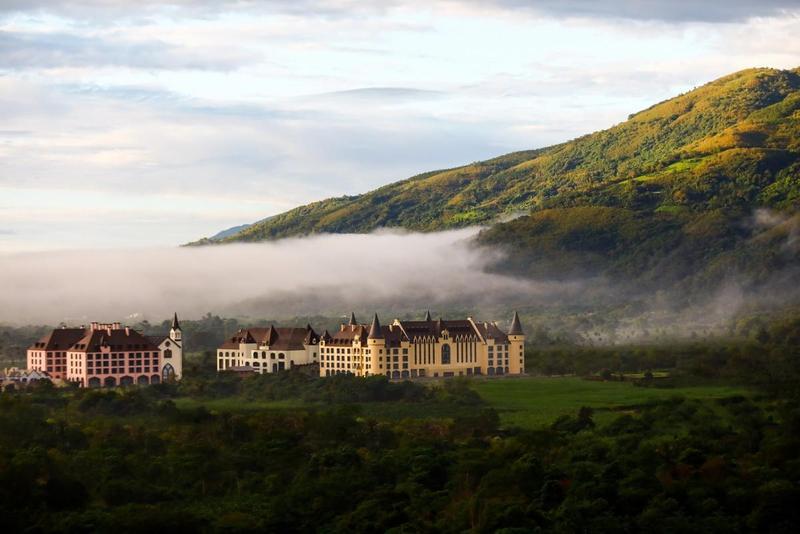 瑞穗天合國際觀光酒店,占地2萬坪,足足有6.6個台北車站大,號稱全台最大歐風城堡,博得台版「霍格華茲」美稱。(翻攝自酒店官網)