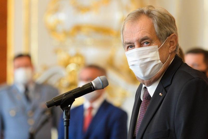 立場親中的捷克總統齊曼6日受訪時極力滅火,更強調參議院議長韋德齊訪台行程是「幼稚的挑釁」。(翻攝自Miloš Zeman臉書)
