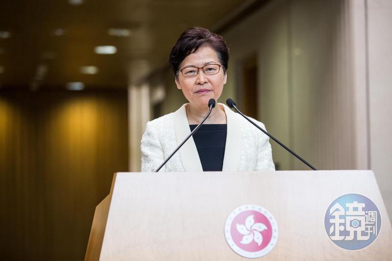 港府針對九龍大遊行表示,宣揚「港獨」意識的行為更可能違反《香港國安法》。,圖為香港特首林鄭月娥。