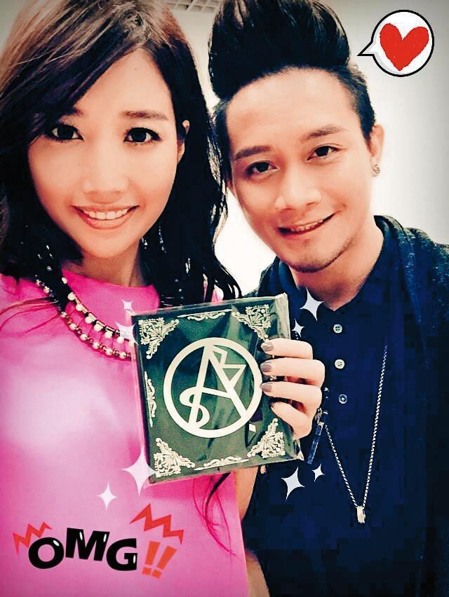 吳秉洛(左)曾擔任A-Lin(右)的「Passenger旅·課」和聲,學到許多知識。(翻攝自A-Lin920臉書)