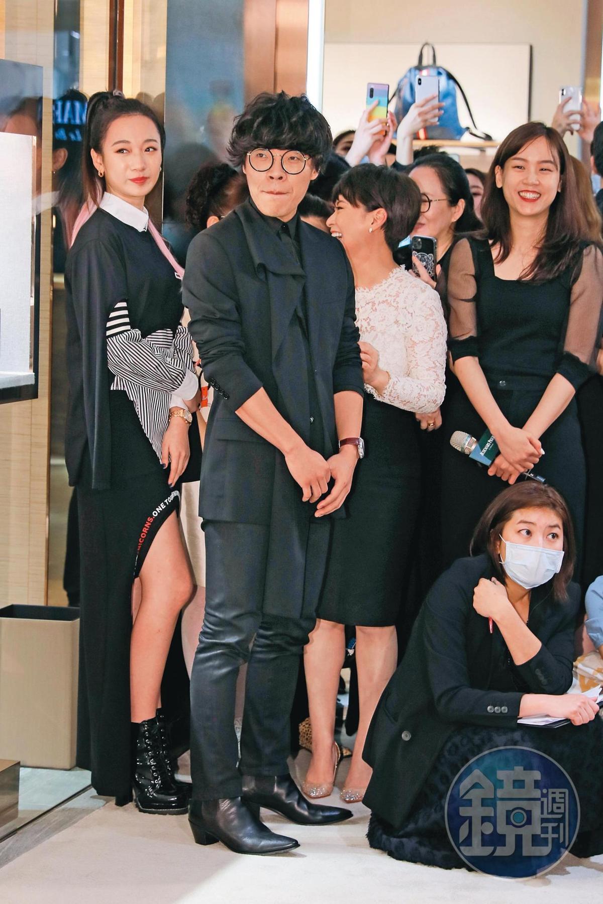 盧廣仲自出道以來形象良好,是許多廠商力邀的對象。