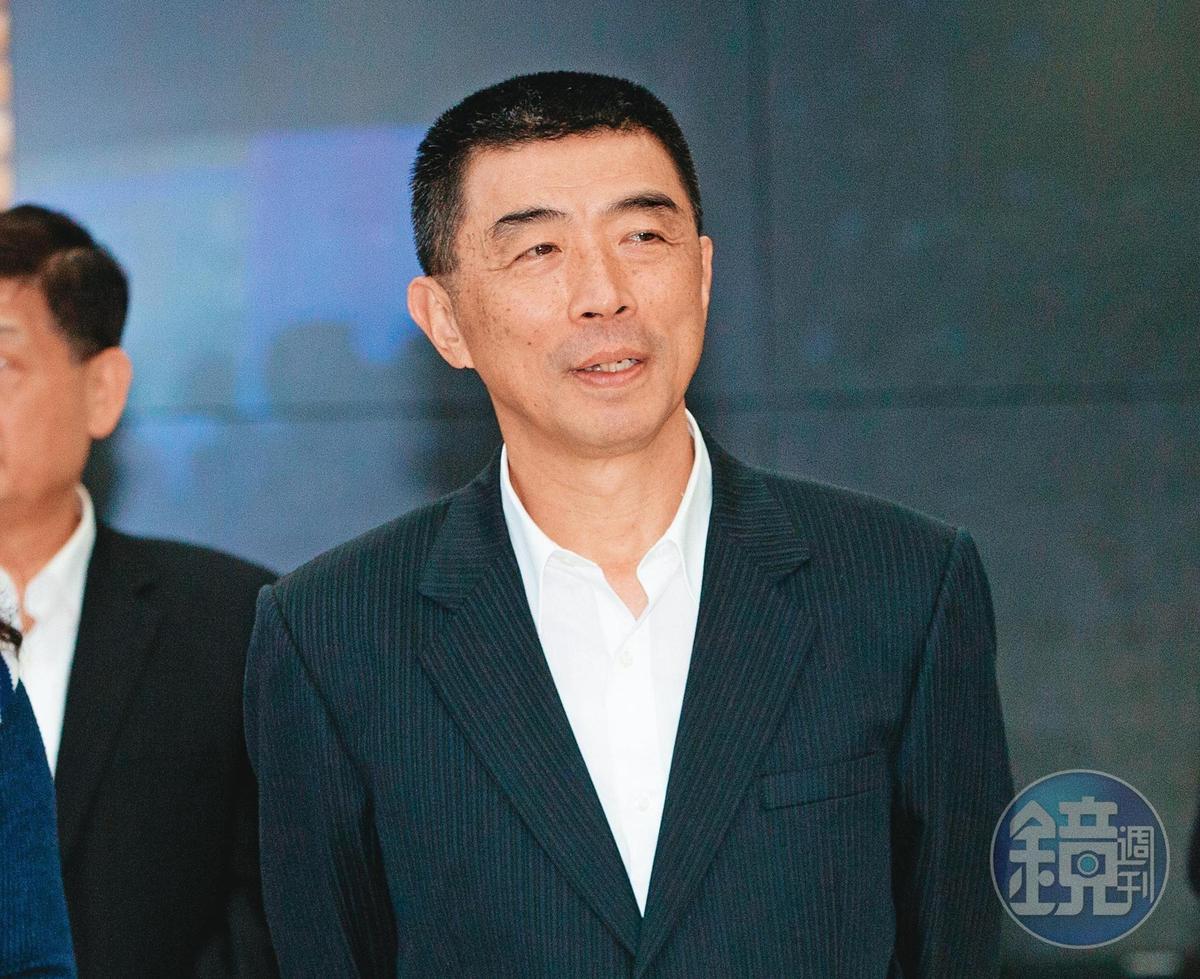 高雄市警局長劉柏良曾向翁茂鍾買股。