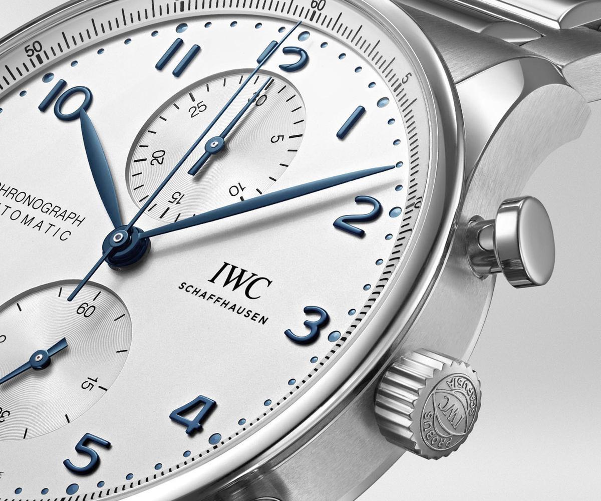 經典的葡萄牙系列計時碼錶,面盤配置到外觀造型都與1998年的3714沒有太大差別。