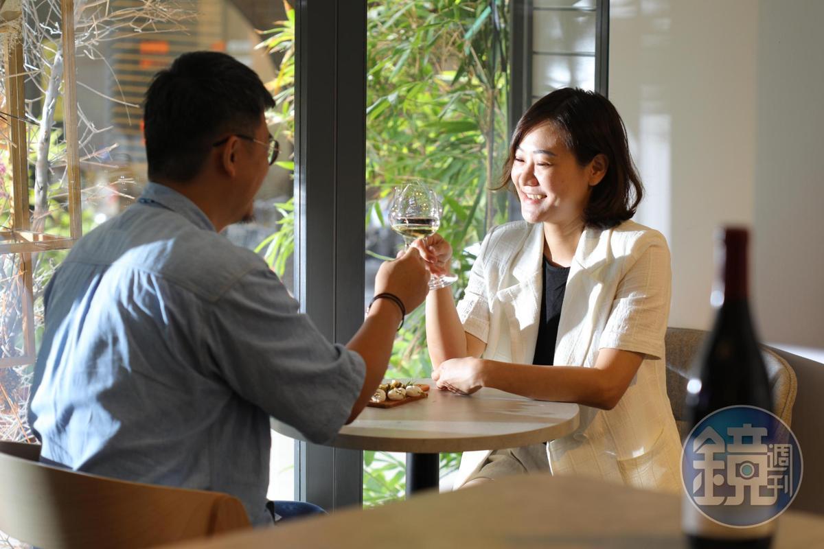 情侶、夫妻結伴品酒,為生活增添甜滋滋儀式感。