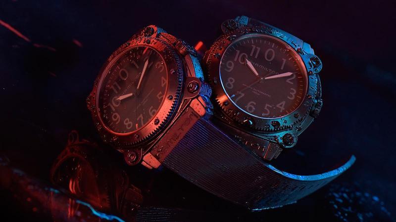 Belowzero Auto Titanium | 錶徑46mm、鈦金屬材質、時間指示、自動上鏈機芯、防水1000米、紅色藍色各限量888只、建議售價NT$ 68,500