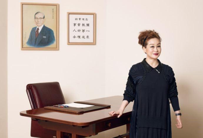 CJ副總裁李美敬是韓國娛樂的重要推手,今年把《寄生上流》推上國際舞台更讓她受到矚目。(翻攝ebnews)