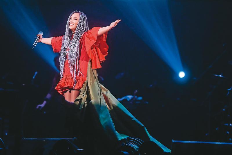 張惠妹擅炒氣氛,許多跨年演唱會的製作單位,紛紛向她招手,希望邀得天后演出。(東方IC)
