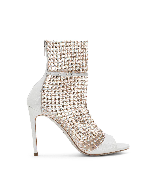 有品牌鞋王之稱的象牙白Galaxia。NT$65,000。(René Caovilla提供)
