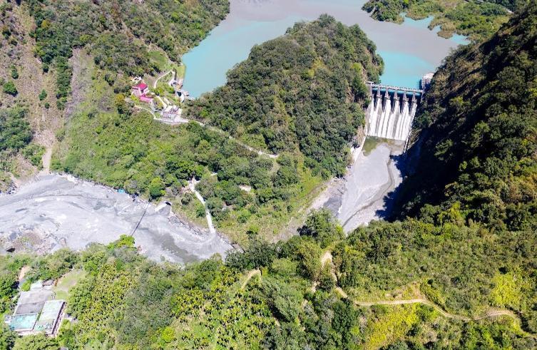 武界水壩閘門異常放水31分鐘,導致下游野營的2家庭共4人罹難。(翻攝自Google Map)