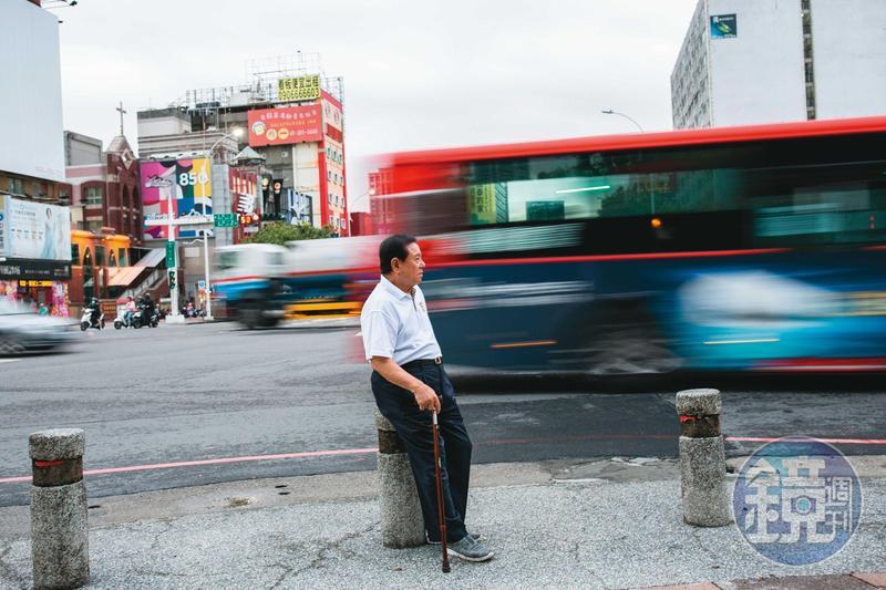 即便行動不便,戴崇慶近年仍因暴力事件登上新聞版面。