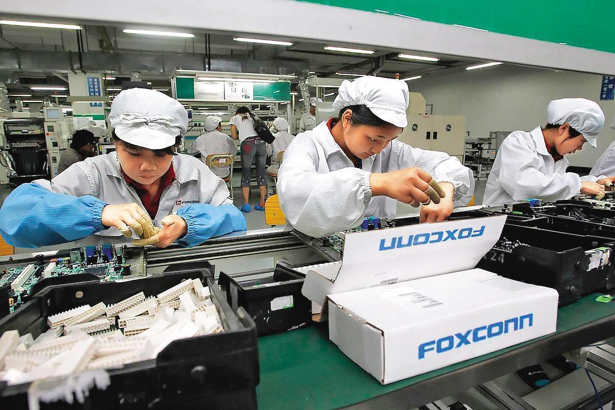 蘋果的主要供應商鴻海,過去以中國作為生產線基地,但也傳出逐漸向印度等地區布局。(東方IC)