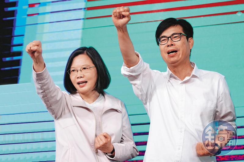 把握供應鏈重組契機,甫任高雄市長的陳其邁(右),上任後大力推動高雄成為亞洲高階製造中心。