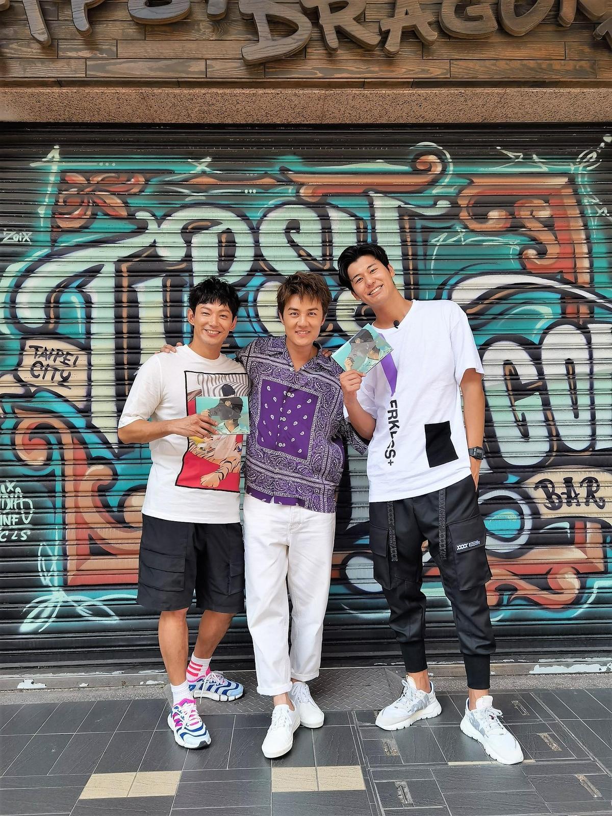 吳克群(中)表示想跟威廉(左)做朋友,心態一定要保持幼稚。(TVBS提供)