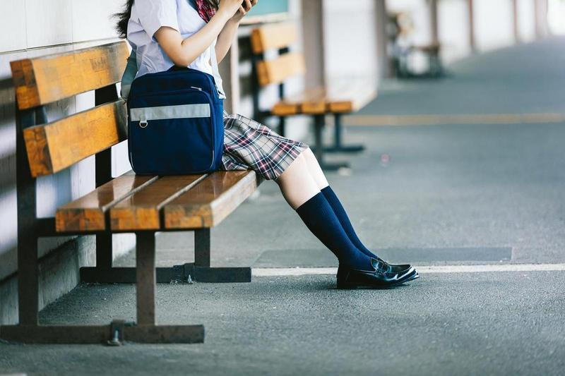 高雄15歲少女圈圈沉迷網路交友,與20多名男網友發生性關係。(示意圖,PAKUTASO)