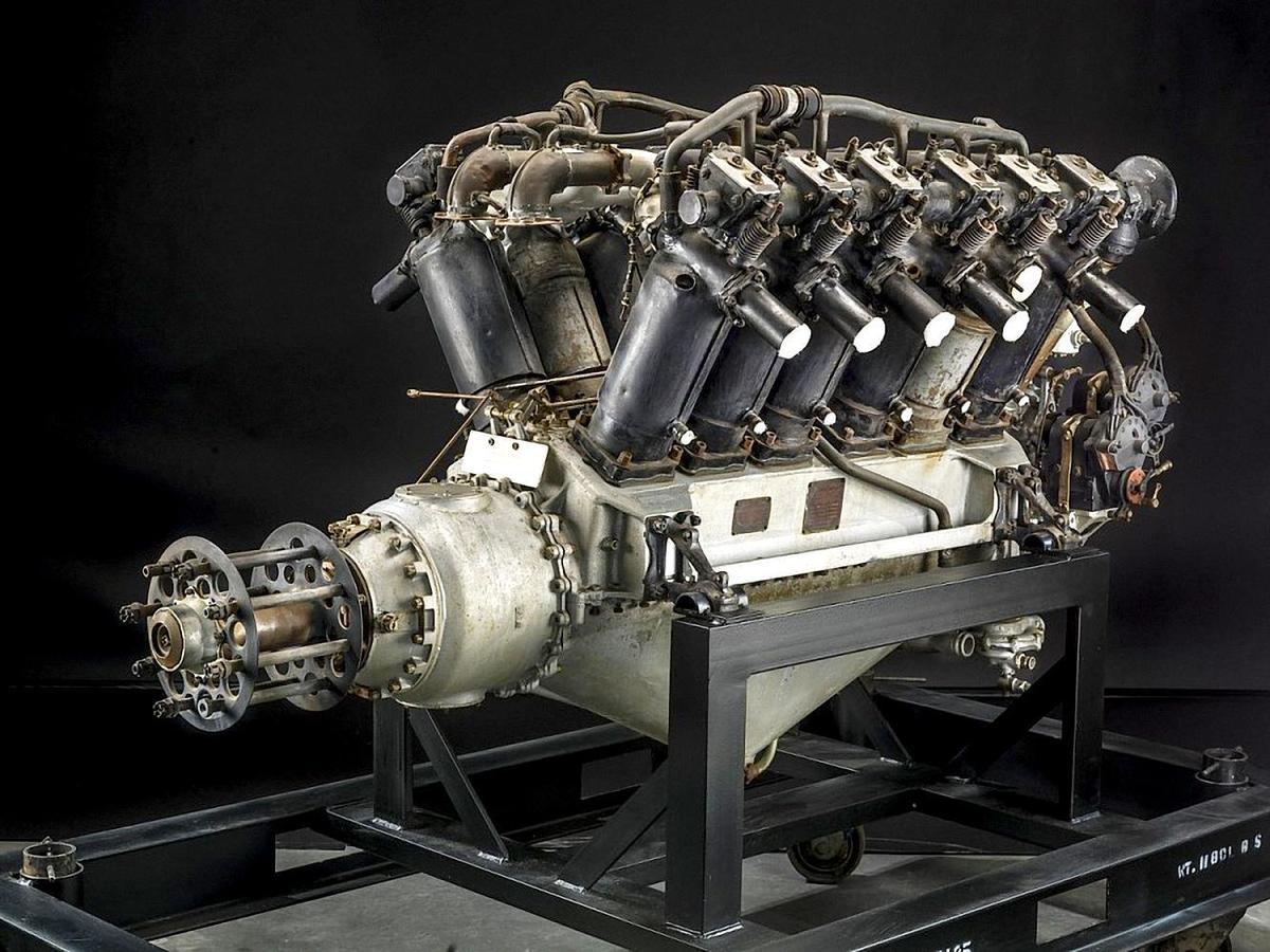 1914年,Rolls-Royce第一款航空發動機Eagle推出。