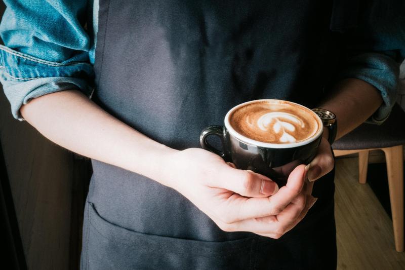 營養博士吳映蓉指出,在錯的時間喝咖啡會影響鐵質吸收,反而越喝越累。(示意圖,翻攝自pexels)
