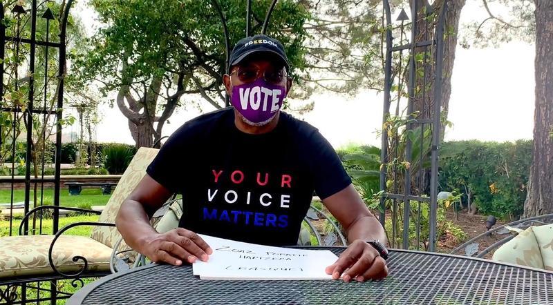 山謬傑克森為了鼓勵投票將開設「髒話課」。(翻攝自Samuel L. Jackson臉書)
