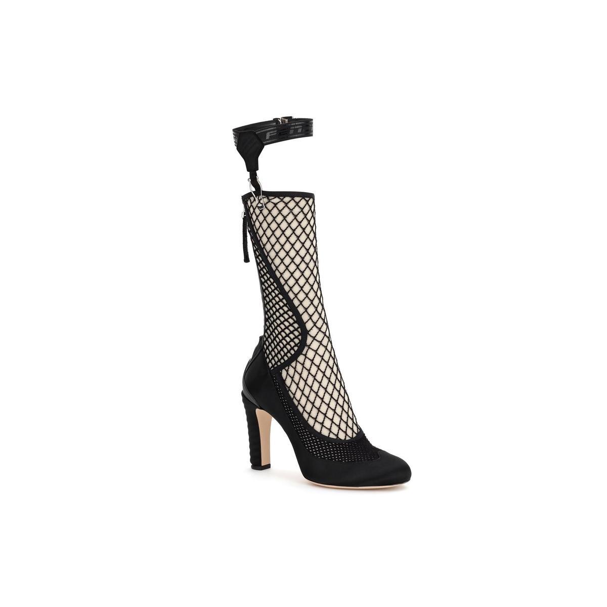 .Promenade網眼設計高跟鞋。NT$48,500(FENDI提供)