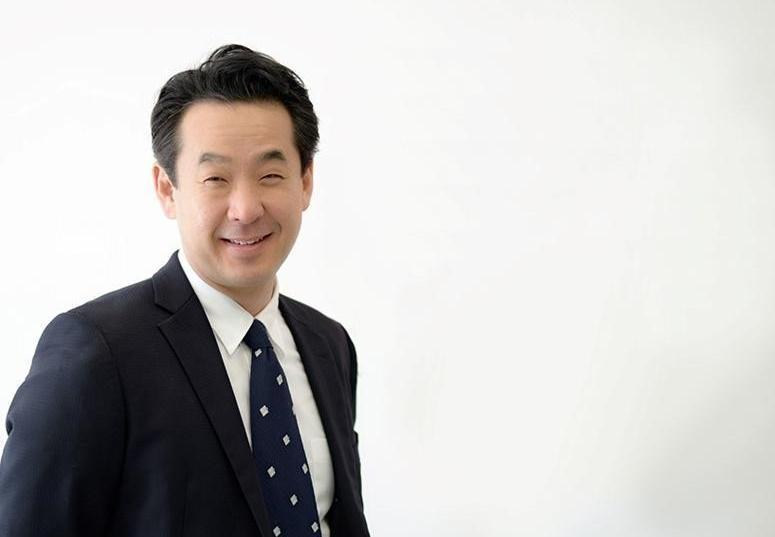 韓裔美籍CEO申大為(David Shin)去年6月甫上任,今天下午4點,他在公司Town Hall以英文親自對內部員工表達歉意。(翻攝自FOX官網)