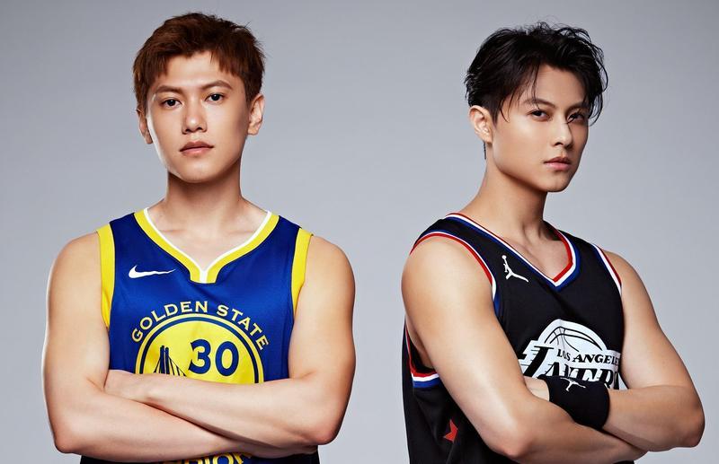 「王子」邱勝翊(右)與弟弟邱宇辰(左)以愛為出發點,舉辦「以愛之名-明星籃球公益賽」。(百鴻揚娛樂提供)
