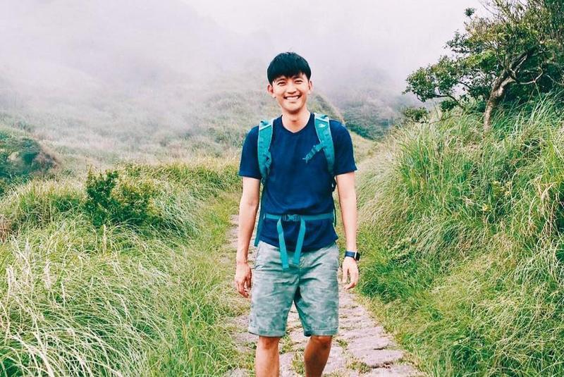 曾少宗曾在爬山時發生靈異事件,被山友看到他臉上浮現陌生人的臉。(翻攝自曾少宗臉書)