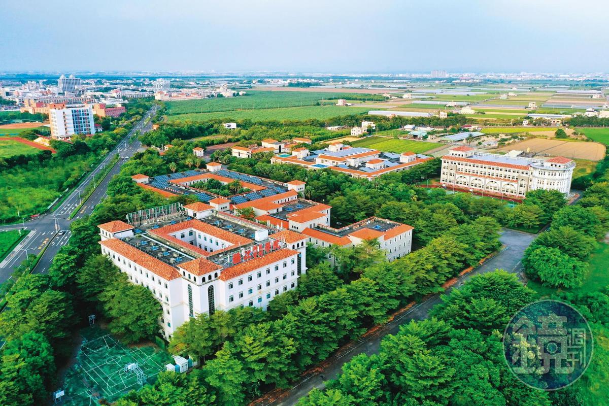 稻江管理學院5月宣布停辦、遭教育部駁回,如今又遭爆出招逼退師生。